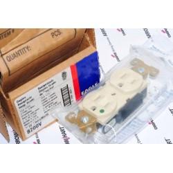 美國 EAGLE 醫療級插座 象牙白 8200V 15A 125V 限量~絕版品 美製 COOPER前身