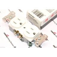 美國 COOPER 白色商用級插座 CR15W 125V 15A NEMA 5-15 (DUPLEX型)