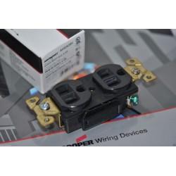 美國 COOPER AH5262BK 125V 15A NEMA 5-15 DUPLEX型 黑色 高級工業級插座