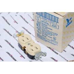 美國 EAGLE 插座 象牙白 BR15V 15A 125V 限量~絕版品 美製 音響可用(COOPER併購的品牌)