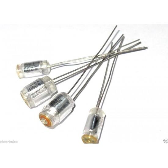 TSC 1100p (1100pF) 50V 5% Polystyrene (PS) 立式電容 1顆1標