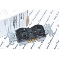 美國 COOPER BR15BK 125V 15A NEMA 5-15 黑色 單聯 商用級插座 (DUPLEX型)