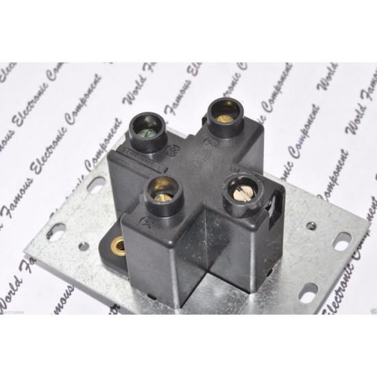 COOPER 5744N 30A 125/250V AC NEMA 14-30R 插座 1顆1標