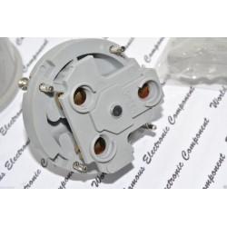 美國 COOPER 5701AN 30A 250V NEMA 6-30P 90度型 插頭